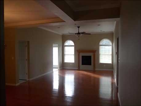 1056 Cross Creek Drive - Photo 3