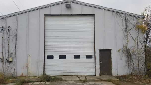 3200 Industrial Dr - Photo 3