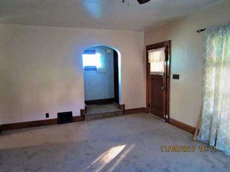 786 S Oakland Ave - Photo 3
