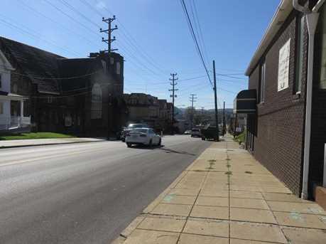 330 Adams St - Photo 3