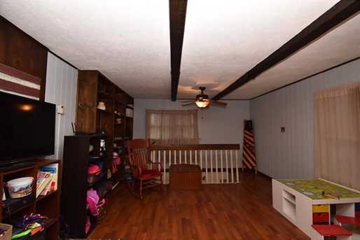 584 Delaware Ave - Photo 11