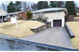 5153 Colewood Dr - Photo 1