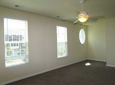 1163 Bayberry Dr - Photo 3