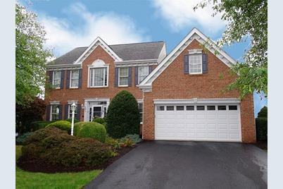 131 Foxchase Drive - Photo 1