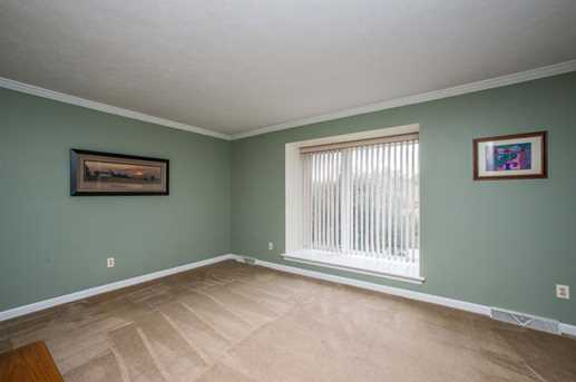 1181 Airedale Dr - Photo 5