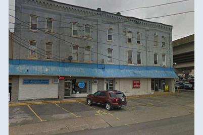 996 Jefferson Ave - Photo 1