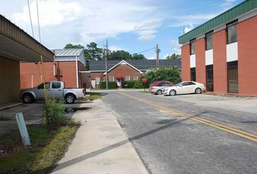 102 West Lee St - Photo 3