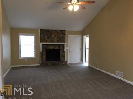 5061 Ravenwood Dr - Photo 3
