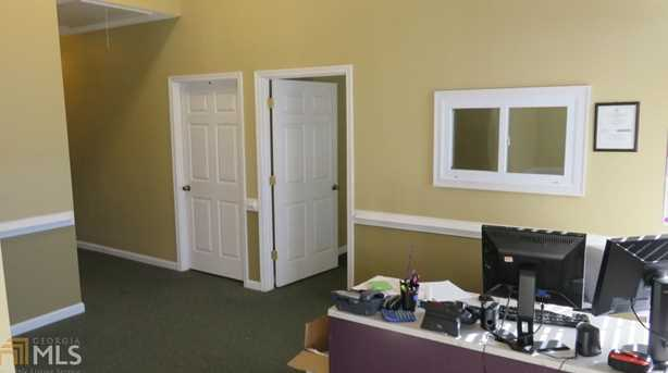 1257 SW Commercial Dr - Photo 3