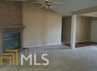 211 Holly Dr - Photo 3