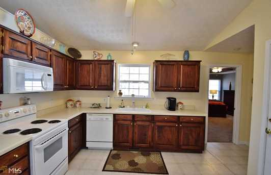 4331 Windfield Dr - Photo 3