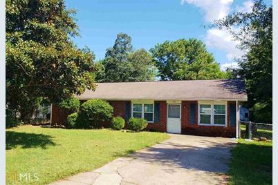 304 Tyree Dr - Photo 1