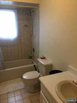 678 Anderson Ave - Photo 5