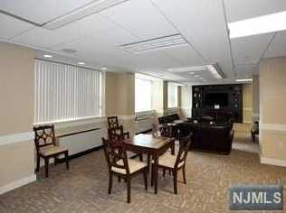 2100 Linwood Avenue #15V - Photo 23