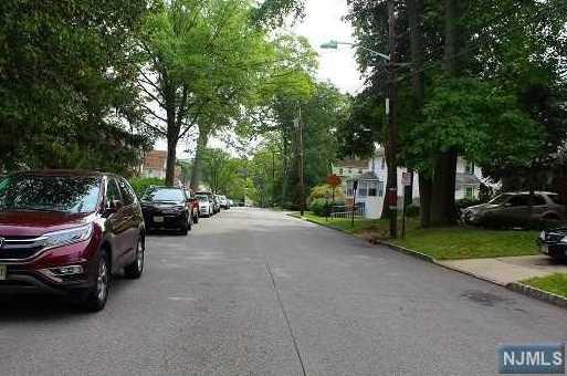 310 Shepard Avenue - Photo 6