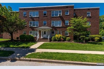 135 Hobart Avenue #3D, Rutherford, NJ 07070