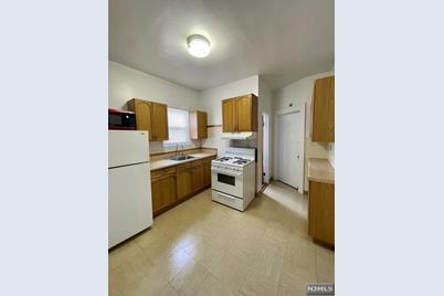 437 Lanza Avenue #3R - Photo 1