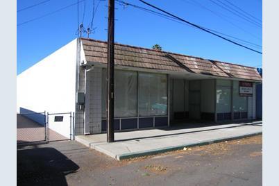 323 Magnolia Ave - Photo 1