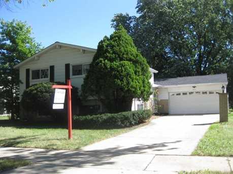 325 Lawn Lane - Photo 1