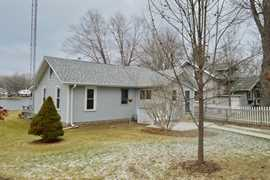 3421 james way johnsburg il 60051 mls 08644628 for 1703 river terrace johnsburg il