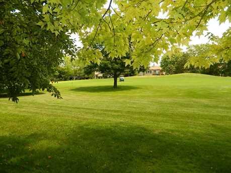 675 Golf Lane #675 - Photo 5