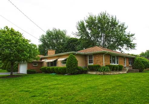 13204 hickory lane woodstock il 60098 mls 09640707 for Hickory lane