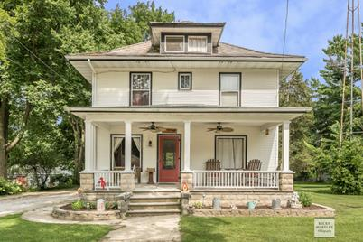 108 N Union St Newark Il 60541 Mls 10018336 Coldwell Banker