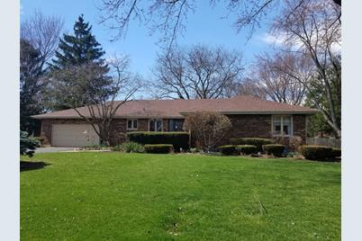 1284 Pleasant Dr Elgin Il 60123 Mls 10270355 Coldwell Banker