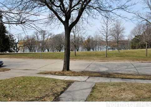 4915 Woodlawn Boulevard - Photo 1