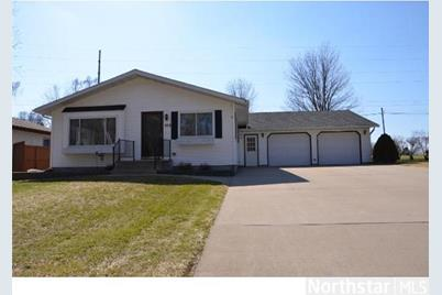 573 N Donnelly Avenue - Photo 1