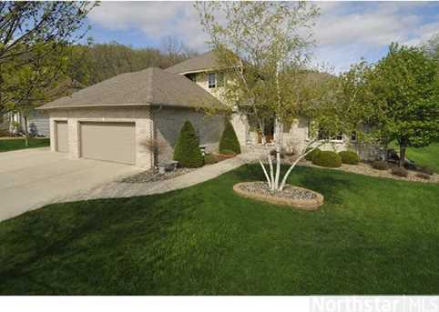 1007 Newhall Dr - Photo 1