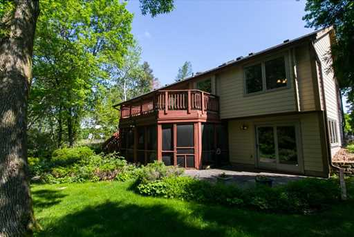 1099 lawnview avenue shoreview mn 55126 mls 4851669 coldwell banker