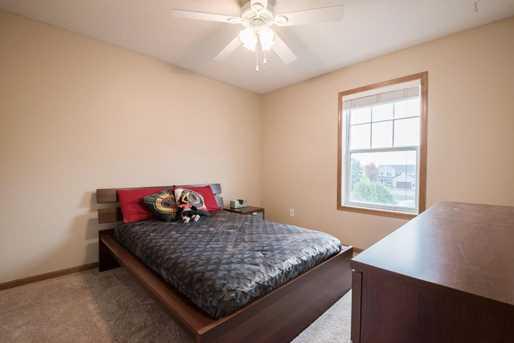 6896 Shadyview Court N - Photo 19