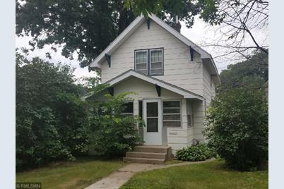 Homes Around $2,126,600