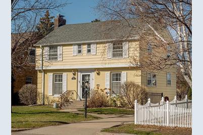 623 Fairview Avenue S - Photo 1