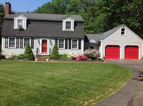 43 earle drive lee nh 03861 mls 4628853 coldwell banker for Lee homes