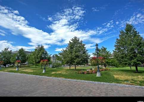 2726 E Wasatch Dr #1 - Photo 37