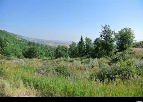 1055 S Broad Hollow Rd - Photo 3
