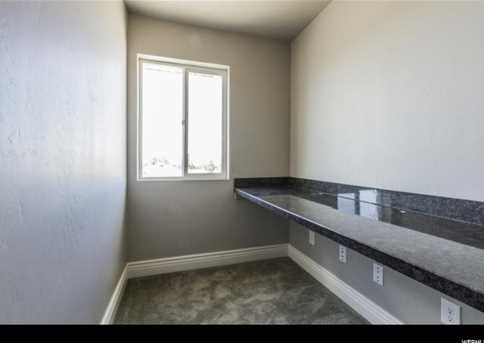 420 S Hinckley Rd - Photo 9