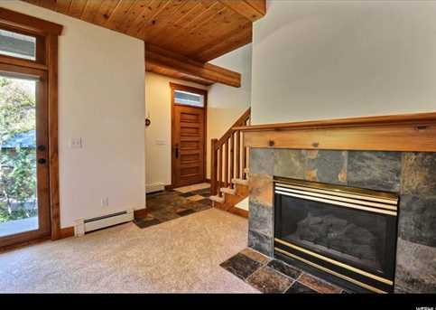 564 Deer Valley Dr #4 - Photo 3