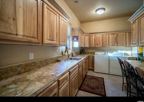 1747 S View Point Dr - Photo 25