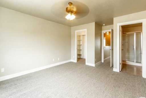 8048 N Clydesdale Dr #5 - Photo 13