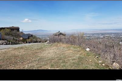 925 E Highland Oaks Dr N - Photo 1