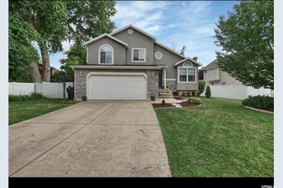 627 W Lewis and Clark Dr - Photo 1