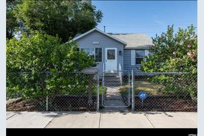 1445 W Arapahoe Ave S - Photo 1