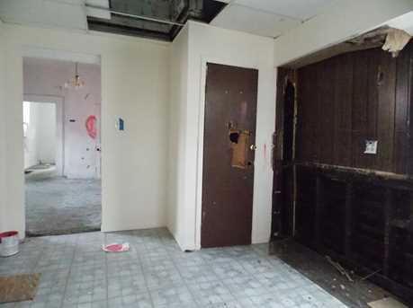 512 E 17th Street - Photo 5