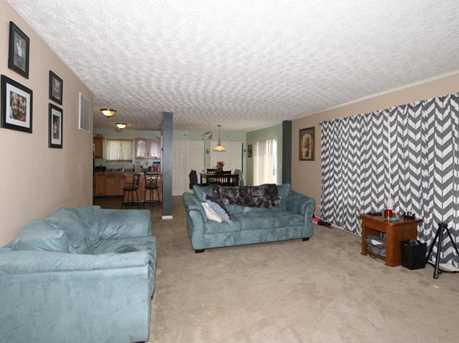 11685 Manor Lake Drive - Photo 5