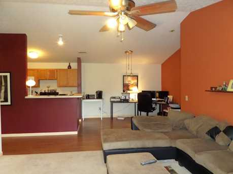 460 Lakeview Dr #10 - Photo 3