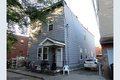 916 Roberts Street - Photo 1