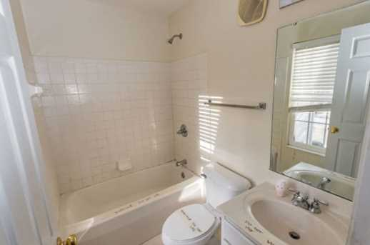 8542 Wiltshire Way #13E - Photo 25